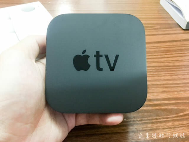Apple TV 4K unboxing